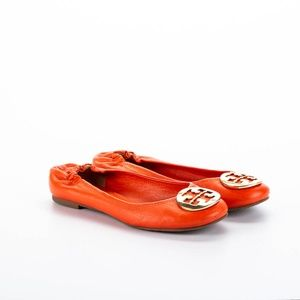 Tory Burch Reva Flats With Metal Logo - Orange